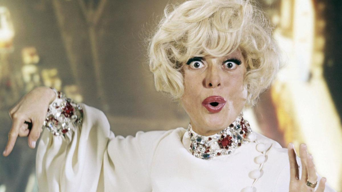 "CAROL CHANNING ~ The Immortal ""HELLO DOLLY"""